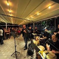 Photo taken at The Winston Brasserie by Gürhan Ş. on 9/1/2012