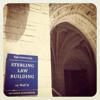 Photo prise au Yale Law School par Ayaka I. le5/20/2012