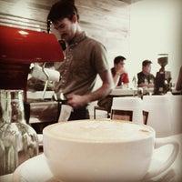 Das Foto wurde bei Caffé Medici von Paula W. am 3/12/2012 aufgenommen