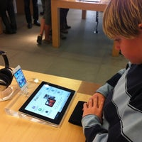 Photo taken at Apple Corte Madera by Grant G. on 3/11/2012