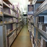 Foto diambil di Jerry's Artarama oleh Joe D. pada 9/13/2012
