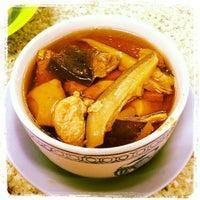 6/9/2012 tarihinde Budblely K.ziyaretçi tarafından Keong Kee Herbal Soup (强记补品)'de çekilen fotoğraf