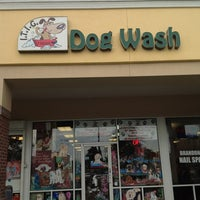 Photo taken at ITIG Dog Wash by fattiebutters® on 8/27/2012