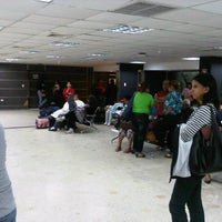 Photo taken at Terminal Peliexpress - Flamingo by Omar C. on 9/12/2012
