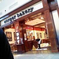 Photo prise au Corner Bakery Cafe par Andrii P. le7/27/2012