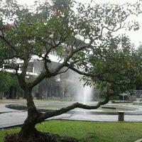 Photo taken at Institut Teknologi Bandung (ITB) by nurhadi b. on 4/20/2012