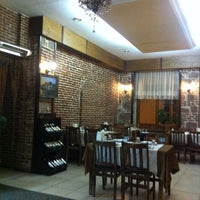 Photo taken at Ayvalık Canlı Balık Restaurant by safak y. on 4/16/2012