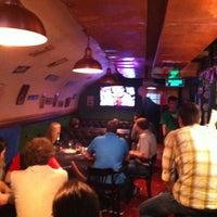 Снимок сделан в Harat's Pub пользователем Igor L. 5/19/2012