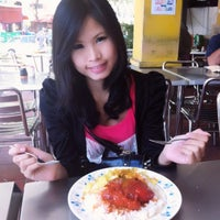 Photo taken at Restoran Khaleel by jjessicaz on 2/12/2012