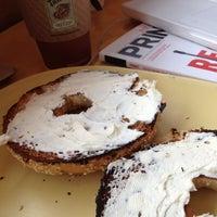 Foto tirada no(a) Panera Bread por Gabriel G. em 5/11/2012