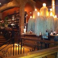 Photo prise au Leona Pizza Bar par Daniel B. le4/29/2012