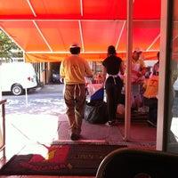 Photo taken at Tacos Barbacoa Prepa 5 by Fernando C. on 3/31/2012