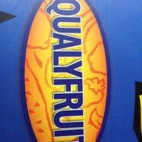 Photo taken at Qualyfruit by Juliana R. on 3/10/2012