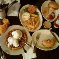 Photo taken at Lyric Diner by Yannique H. on 8/8/2012