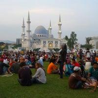 Photo taken at Bazar Ramadhan Taman Kerang (Pokok Buluh) by Hafiz A. on 8/1/2012