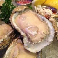 Das Foto wurde bei Oceanaire Seafood Room von Linh L. am 4/16/2012 aufgenommen