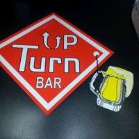 Foto tirada no(a) Up Turn Bar por Marcos P. em 2/14/2012