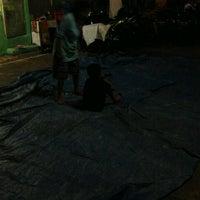 Das Foto wurde bei lapangan grindo von Pie L. am 8/18/2012 aufgenommen