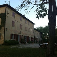 Photo taken at Casa Forcolera (Borgoluce) by Omar B. on 8/27/2012
