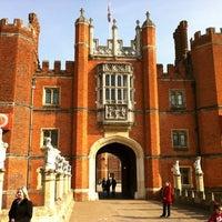 3/11/2012 tarihinde Alexandre C.ziyaretçi tarafından Hampton Court Palace'de çekilen fotoğraf