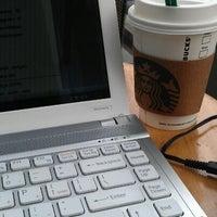 Foto diambil di Starbucks oleh Gumy G. pada 5/6/2012