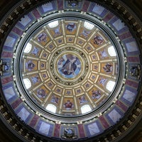 Photo taken at St. Stephen's Basilica by Jade L. on 6/23/2012