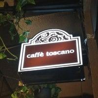 Photo prise au Caffé Toscano par Cesar R. le8/12/2012
