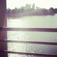Foto tirada no(a) Lady Bird Lake Trail por Yaneli H. em 8/30/2012