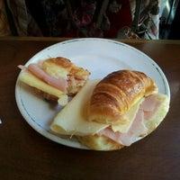 Foto tomada en Sócrates Cafe por Fabian B. el 3/3/2012