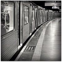 Foto tirada no(a) Estação Vila Mariana (Metrô) por Matheus S. em 4/30/2012