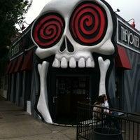 Foto tirada no(a) The Vortex Bar & Grill por Melissa C. em 5/29/2012