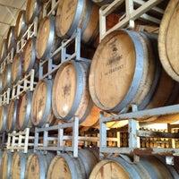 Foto tomada en Cline Cellars por Jari S. el 2/13/2012