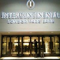 Photo taken at InterContinental London Park Lane by Mario P. on 5/4/2012