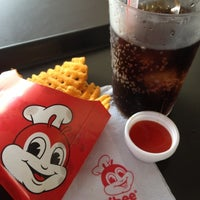 Photo taken at Jollibee by OFF_SCUBA 6. on 7/25/2012