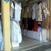 Foto tirada no(a) Feirinha de Artesanato de Tambaú por Samylla L. em 2/21/2012