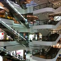 Foto tirada no(a) Beiramar Shopping por Flexx C. em 2/21/2012