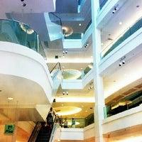 Photo taken at Shopping Leblon by Jonathan A. on 6/10/2012