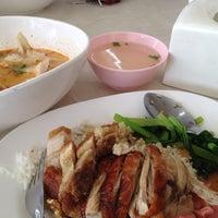 Photo taken at ฉ่อยเป็ดย่าง by sukum c. on 5/30/2012