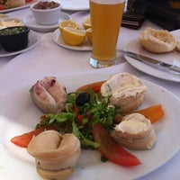 Foto tomada en Restaurante Puntamai por Sebastian L. el 2/9/2012