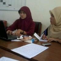 Photo taken at Gedung 4 Fakultas Peternakan by Kyqie R. on 3/1/2012