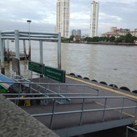 Photo taken at Sathorn (Taksin) Pier (CEN) by Wanza Z. on 6/30/2012