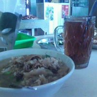 Photo taken at Soto Babat Bu Mulyono by Joko M. on 4/18/2012