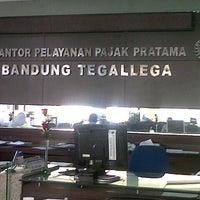 Photo taken at Kantor Pelayanan Pajak Pratama Bandung Tegallega by Ian P. on 7/4/2012