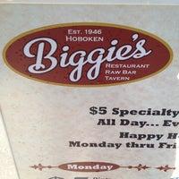 Photo taken at Biggie's Restaurant, Raw Bar, and Tavern by DeVonta on 6/3/2012