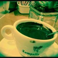 Foto tirada no(a) Kampalla Café por Hudson S. em 8/4/2012