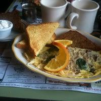 Photo taken at Honey's Sit 'n Eat by Paulie G. on 3/18/2012