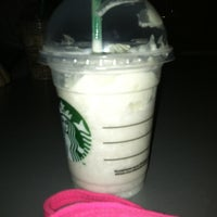 Foto scattata a Starbucks da Amanda W. il 5/20/2012