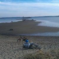 Снимок сделан в Kallahdenniemen uimaranta пользователем Tapio T. 4/25/2012