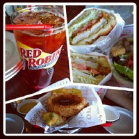 Photo taken at Red Robin Gourmet Burgers by Jamie on 6/13/2012