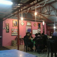 Photo taken at Kedai Murah by Syaiful N. on 9/13/2012